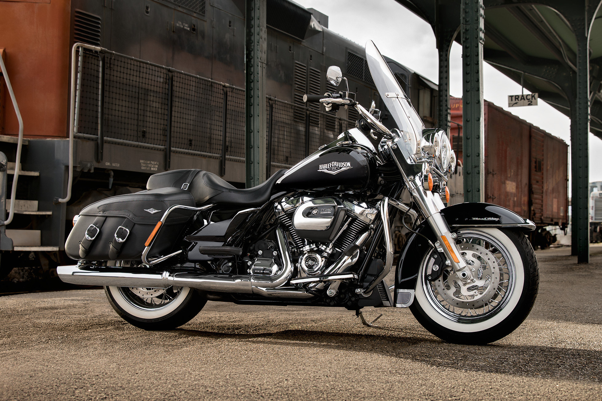road-king-classic-gallery-harley-davidson-perugia