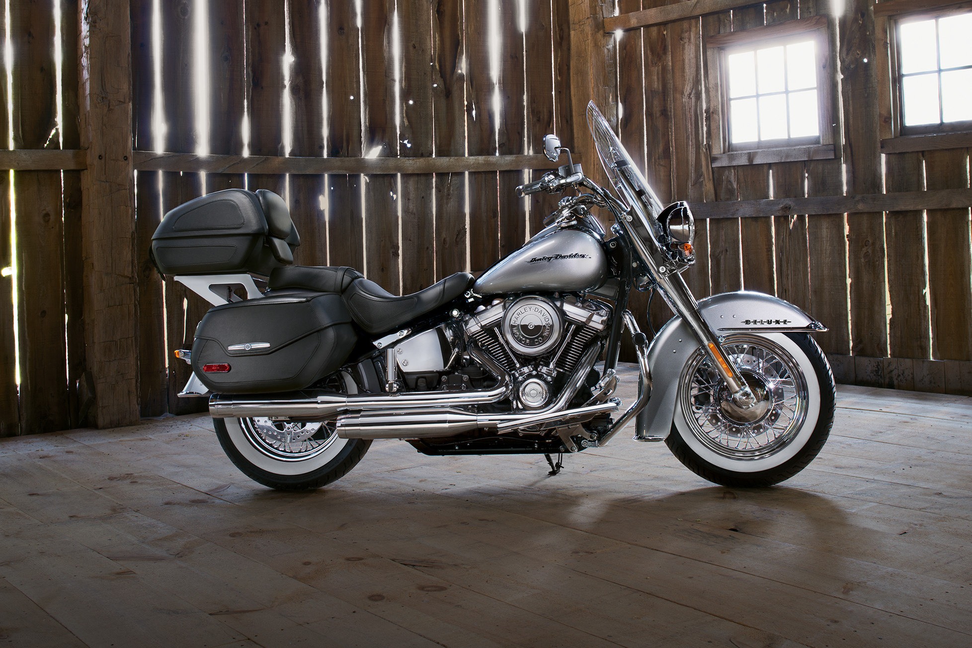 softail-deluxe-harley-davidson-perugia